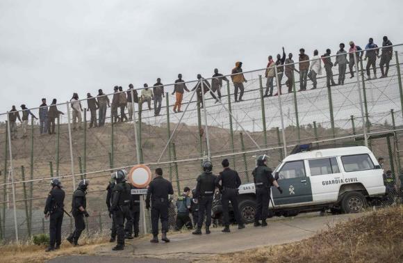 Il confronto istituzionale sui migranti ancora in secondo piano