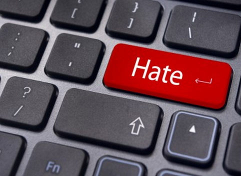 Agcom diffida Mediaset per hate speech