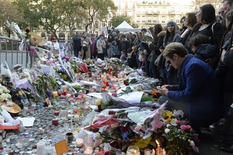 L'orrore di Parigi tra l'approfondimento e i soliti vecchi (e pericolosi) cliché