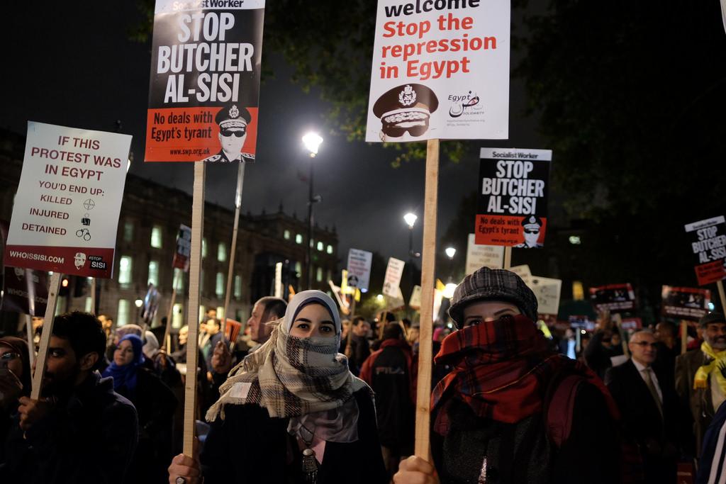 Londra, protesta contro una visita di Al Sisi.