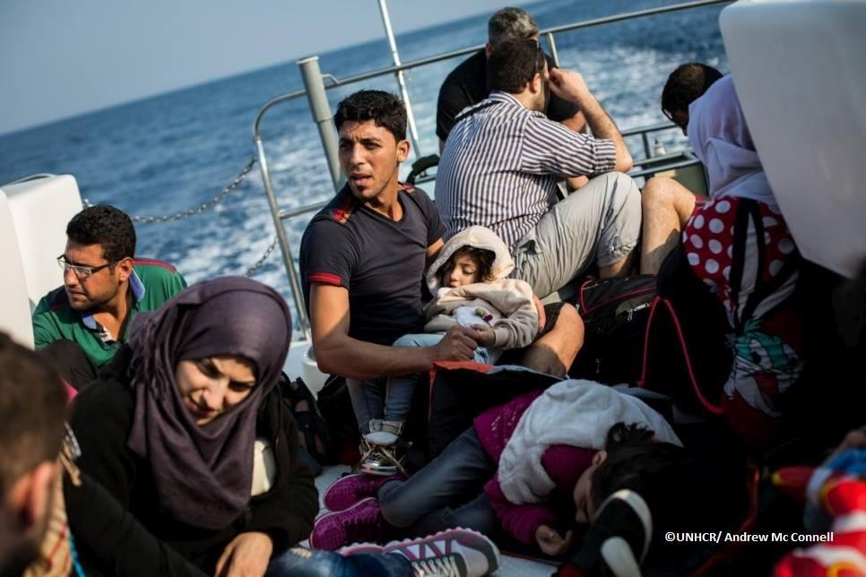 Oltre 300mila arrivi nel Mediterraneo nel 2016. Unhcr: necessarie vie sicure e legali