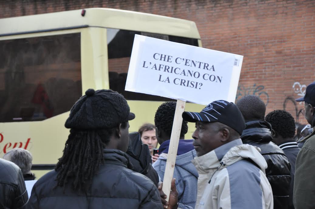 """Il """"rifiuto"""" dell'accoglienza: dalla propaganda alle manifestazioni"""
