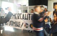 Irruzione di stampo fascista a Mediterraneo Downtown