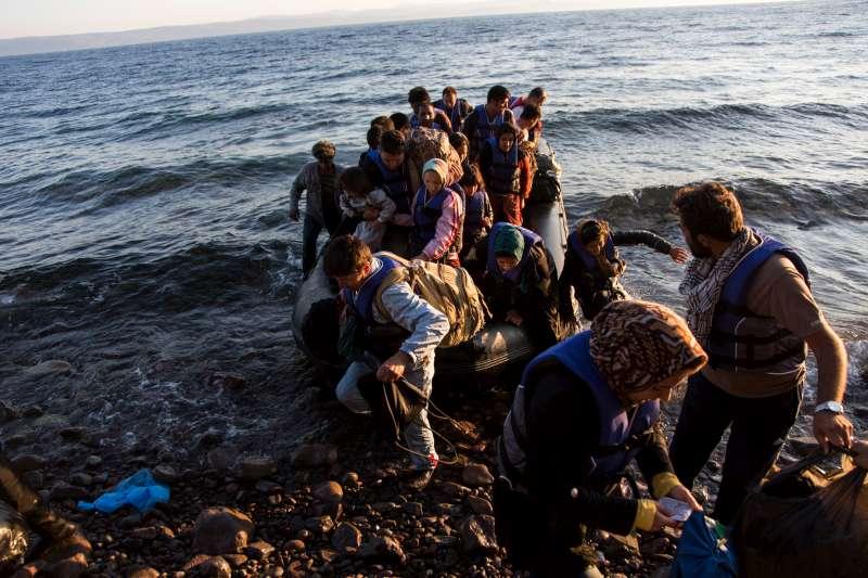 Sbarchi di migranti e rifugiati, perché non è un assedio