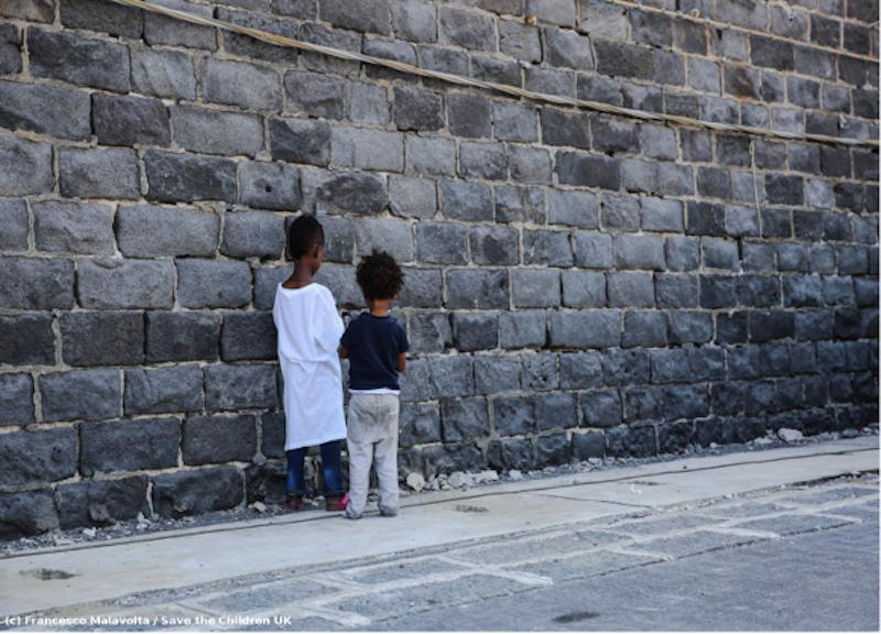 Minori non accompagnati, la carta dell'affido