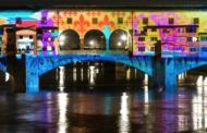 A Firenze le luci della città raccontano le frontiere