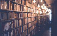 In biblioteca, tra i libri in 25 lingue, si impara l'italiano