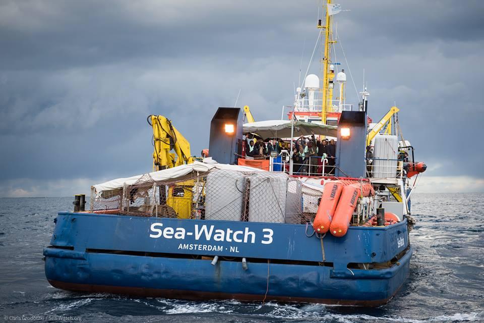 Cronache di navi e di porti chiusi: cosa è cambiato dal caso Aquarius al caso Sea Watch