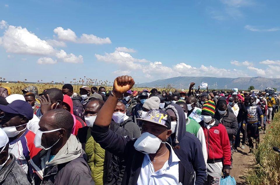 Lo sciopero del 21 maggio contro lo sfruttamento nei campi